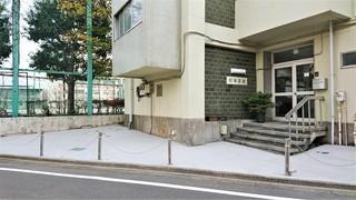 松葉会館駐車場.JPG